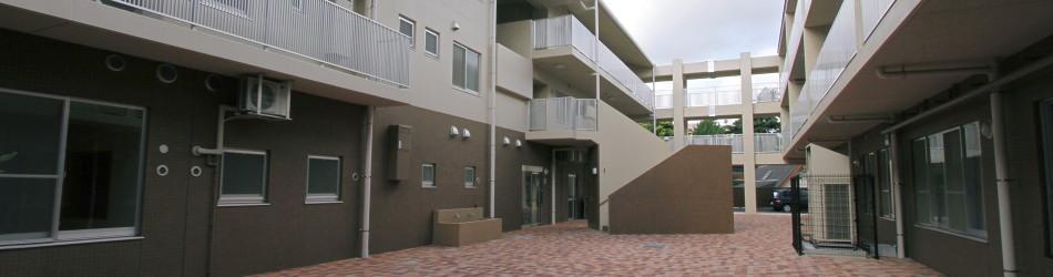 児童養護施設 聖母愛児園 中庭